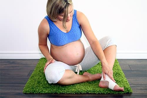 Часто у беременных женщин возникает отек ног