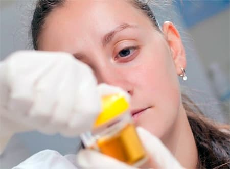 Наличие аморфных кристаллов в моче: это скорее всего погрешности в питании