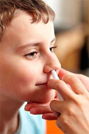Полезные свойства различных противоаллергических каплей в нос