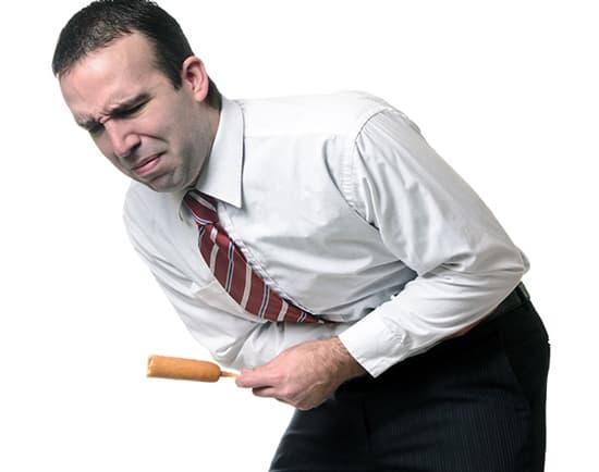 Что вызывает различные боли внизу живота у мужчин?