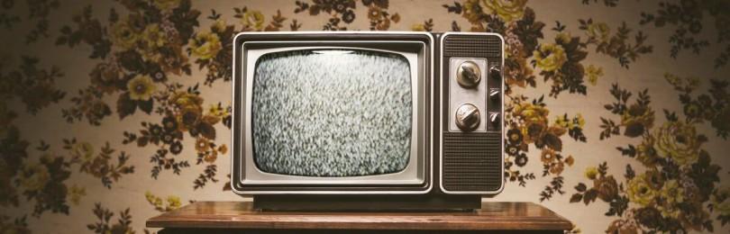 Телевизор «на фоне» — это вредно?