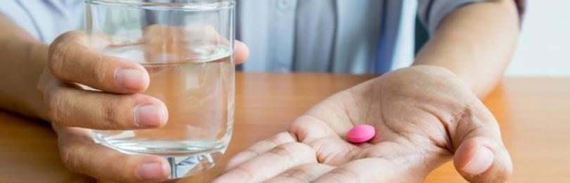Чем стоит запивать лекарственные препараты, и какие напитки находятся под запретом