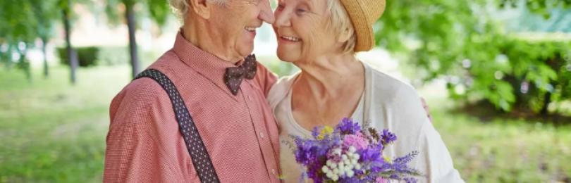 Почему пожилые люди «по-особенному» пахнут — «запах смерти» или…?