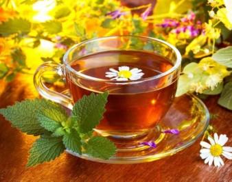 Лечебные чаи: 10 полезных и вкусных рецептов