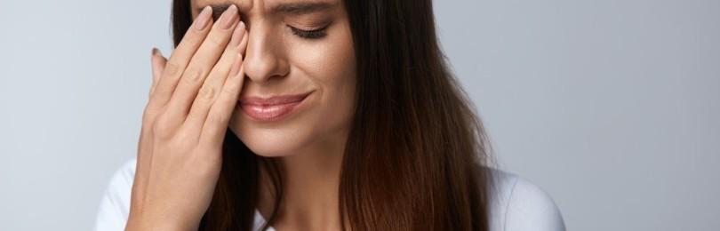 Резь в глазах: причины явления, профилактические меры, способы устранения неприятных симптомов